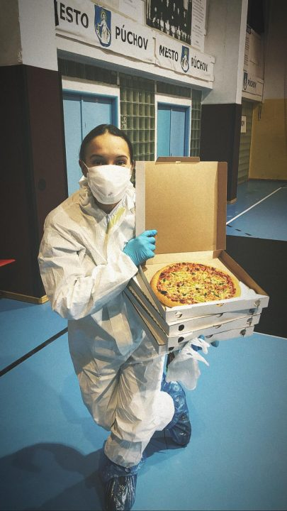 Pizza od anonymného darcu